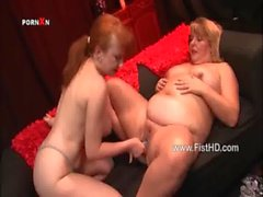 BBW mature lesbians toying and fisting