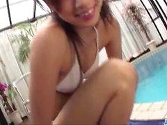 Keito Miyazawa kuuma tyttö perseestä altaassa