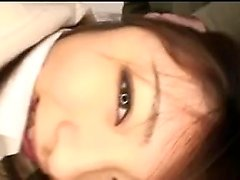 Peituda asiático da menina fodido com brinquedos e gangbanged