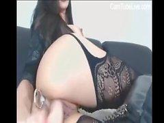 Super Hot Brunnette мастурбирует на вебкамеру