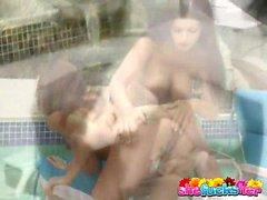 Huge двубортный брюнетка лесбийские Ария Джованни смазки