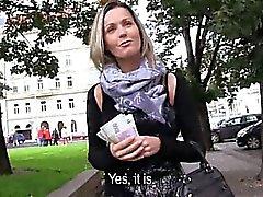 Sexuels publics Eurobabe de Blanka et de facial