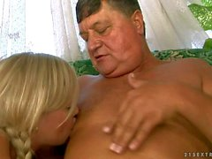 Sunny Diamond gets her Teen pussy eaten by older guy