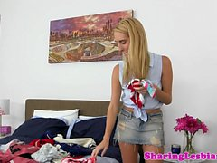 Lesbian babe pussylicked after sniffing panty