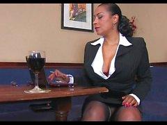 Donna Ambrose käsittelee Pervert