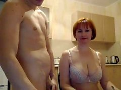 Big Boobs Aikuinen Shoving Dildo Up hänen pillua