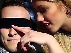 Los ojos vendados de esperma amigo bidireccional