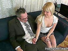 Горячая блондинка подростковый шлюха с секси part4 кузова