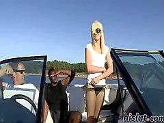 Brandy krävs av en båttur