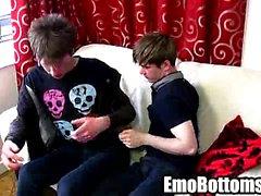 Emo- Twink von Danny Sterne Saugen an einer harte Schwänze