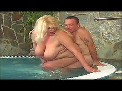 Yvetta, cute mature BBW havong sex in whirlpool