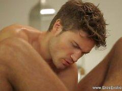 Интимный массаж Он действительно нуждается