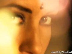 Me Bu Bollywood Kız getir