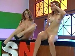 Emily Bruno Mondadori & melange Vandeven Finger The Pussy