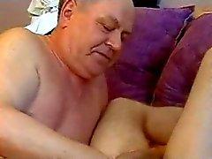 Isoisä viettelee Boy
