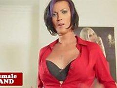 Attraktive Transen streichelte Ihre harten Schwanz in der solo video