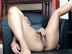 Horny babe Jouer avec sa jolie chatte poilue came