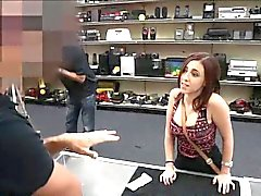 Amateur sucks a cock at the pawnshop