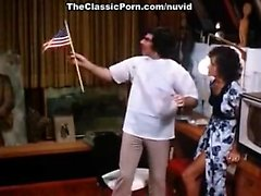 Linda Lovelace, Harry Reems in 70s porn brunette gives deep