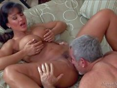 Huge boobed mature babe Lisa Ann is fuck hungry