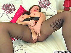 British mother i'd like to fuck beau diamonds massages her love button with sex toy