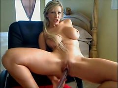 Dirty blonde plays on webcam Julie live on 720camscom