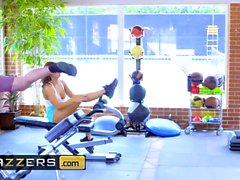 Nicole Aniston Charles Dera - Gym And Juice
