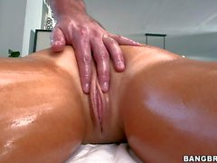 Heavy chested bombshell Tasha Reign gets massaged