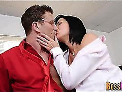 Exquisite Milf Veronica Avluv Obtém Fisted And Fucked