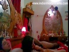 Индийская Пара Трахается Во Время Медового Месяца