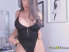 'Curvy Brunette Slut Enjoys Pussy Finger'