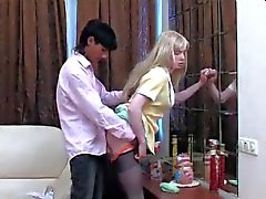 Blondine Crossdresser zu 1