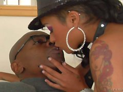 Skin Diamond gets her small tits sucked