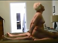 Chubby milf gets fucked on hiddencam