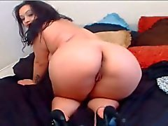 chubby bbw brunette shows us her ass in high heels - faptime
