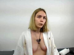 Amateur Webcam Anal Masturbation