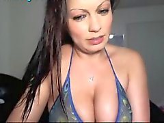 Hot Latina webcam girl Grossi seni a 4