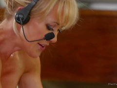 Brandi Love and Dean van Damme - Nurumassage