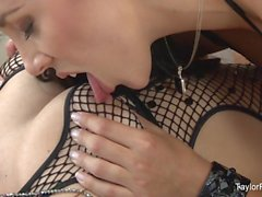 Taylor Vixen plays with Jelena Jensen