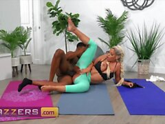 Brazzers Bridgette B Isiah Maxwell Stuck Between Anal And A Workout