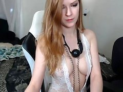 Amateur drunk chick lost control masturbate on webcam