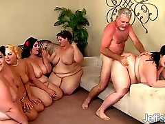 Fette nackte Mädchen beim Sex