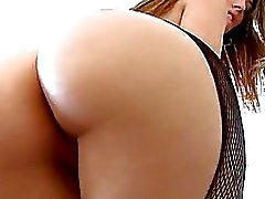 Bootylicious hot babe Jenna Haze teases everyone with her amazingly round butt