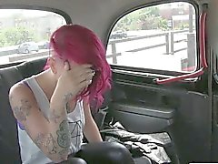 Maroon haired and tattooed hoe fucked for a free ride