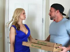 Naughty America - Sarah Vandella Gets filled up