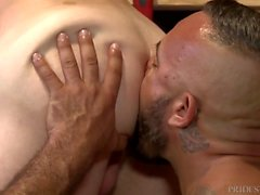 Isä Alessio Romero saa Cock in Employees Ass