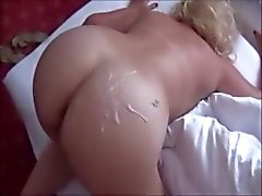 Best Cumming on moms ass