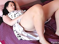 Sexy brunette Aeryn Vibrating Her Hairy Snatch