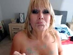 Alektra Blue Striptease und die Masturbation