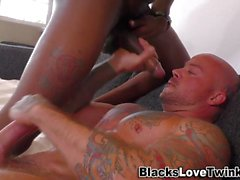 Ebony amatörer jizz hunk